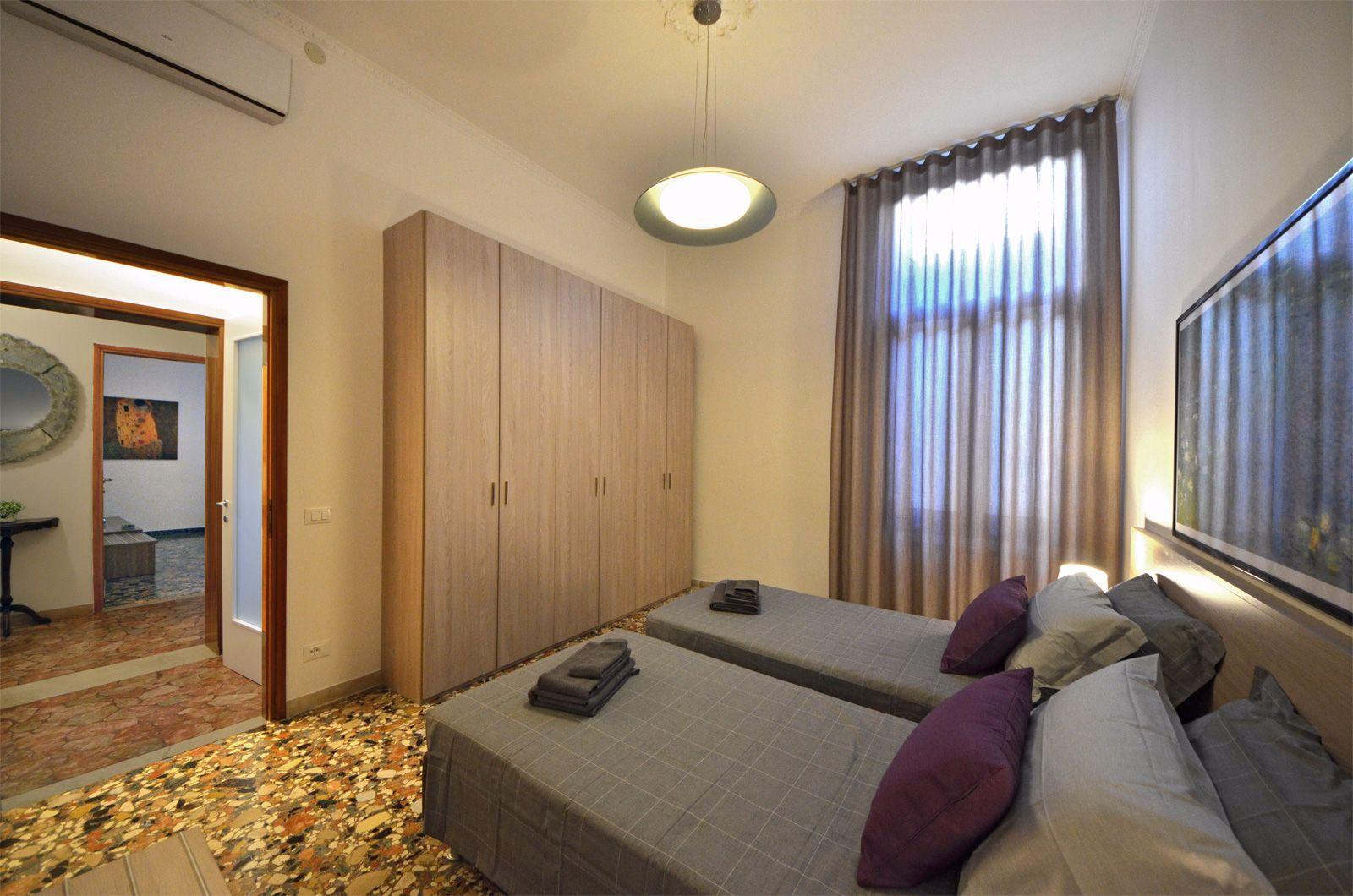 second bedroom, very spacious