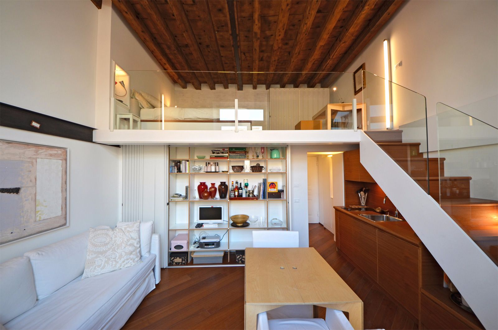 smart organization of space, double sofa bed in the living room