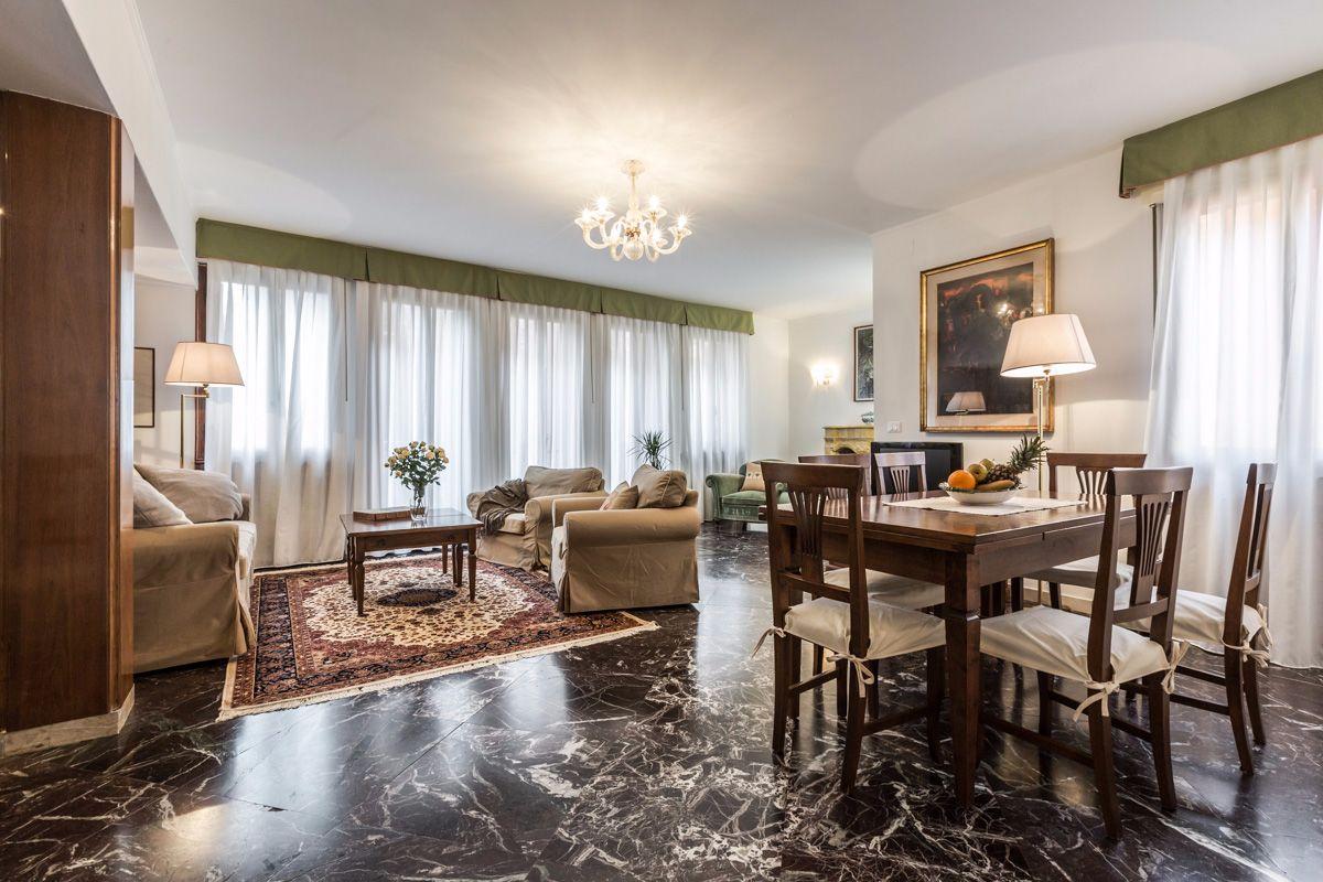 Angelo Gabriele apartment super spacious living room