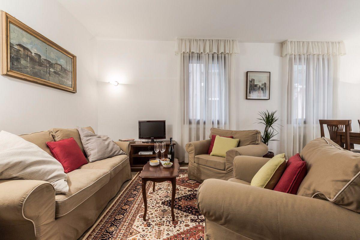 the Angelo Raffaele living room, Venice, italy