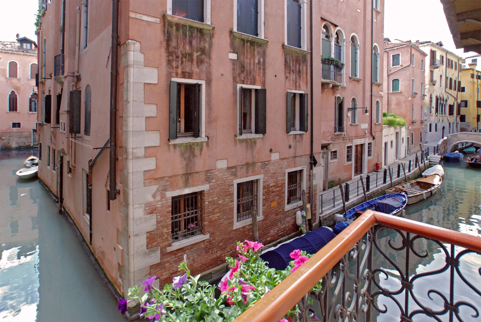 Angelo Raffaele canal view