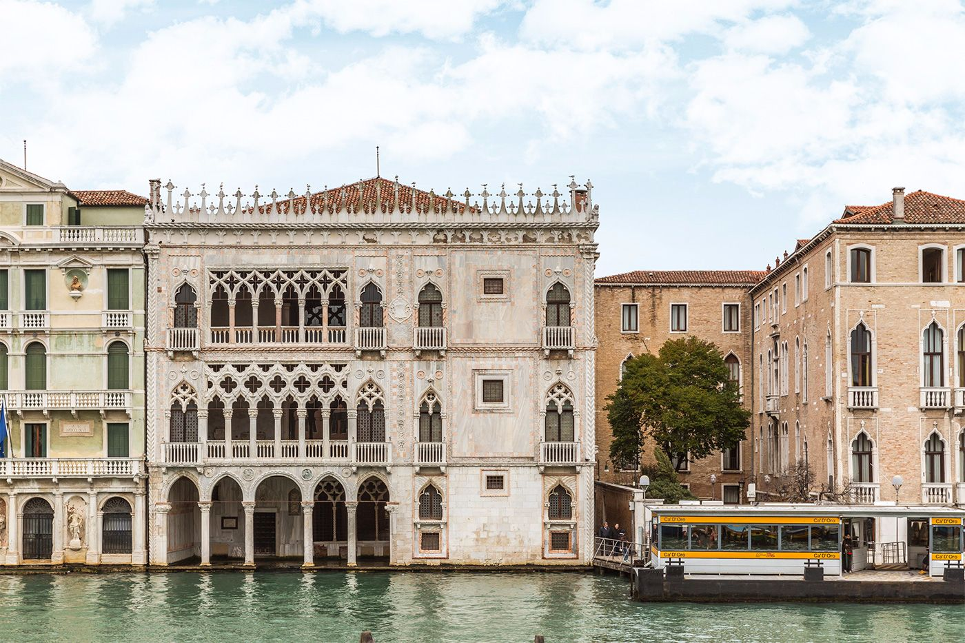 Cà d'Oro: the most beautiful Palazzo on the Grand Canal, just in front of you!