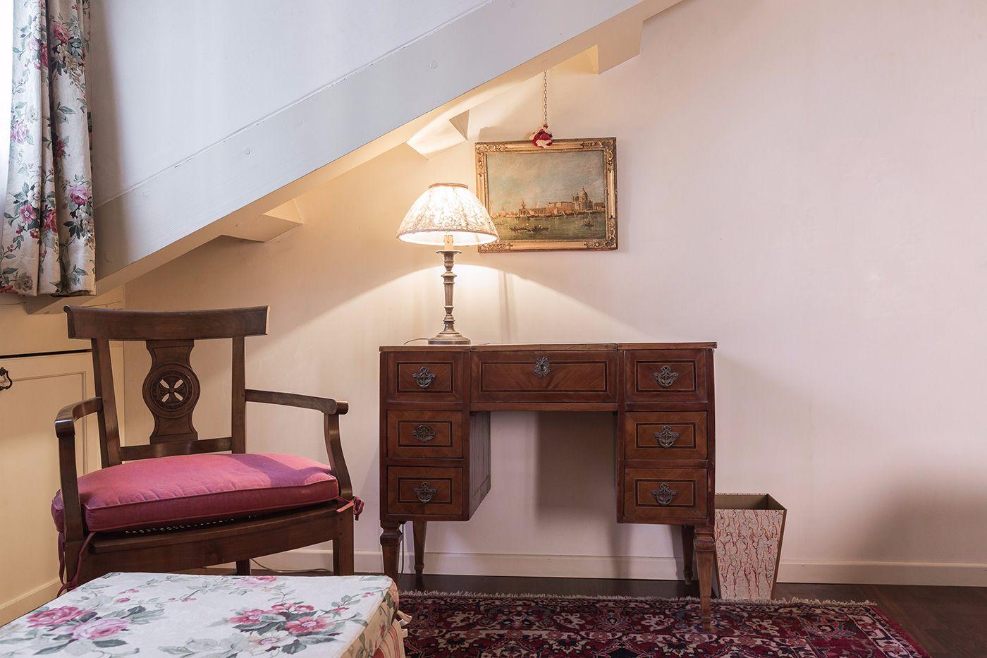 elegant details of the master bedroom