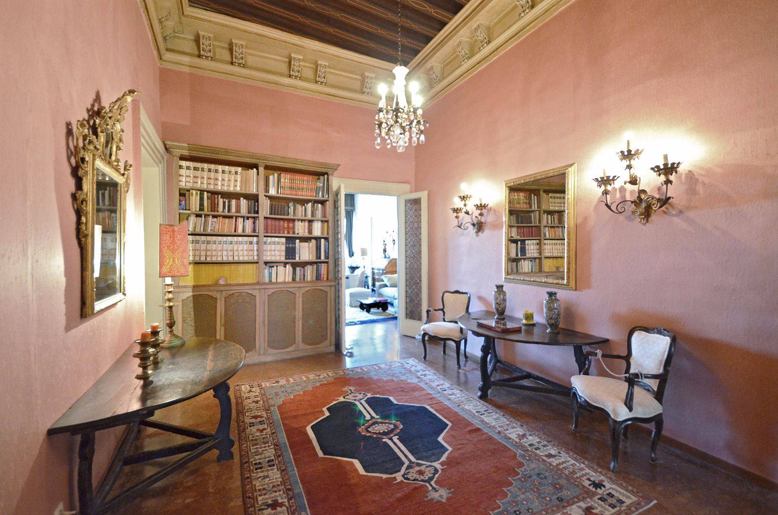 the prestigious entrance room to the Grassi apartment