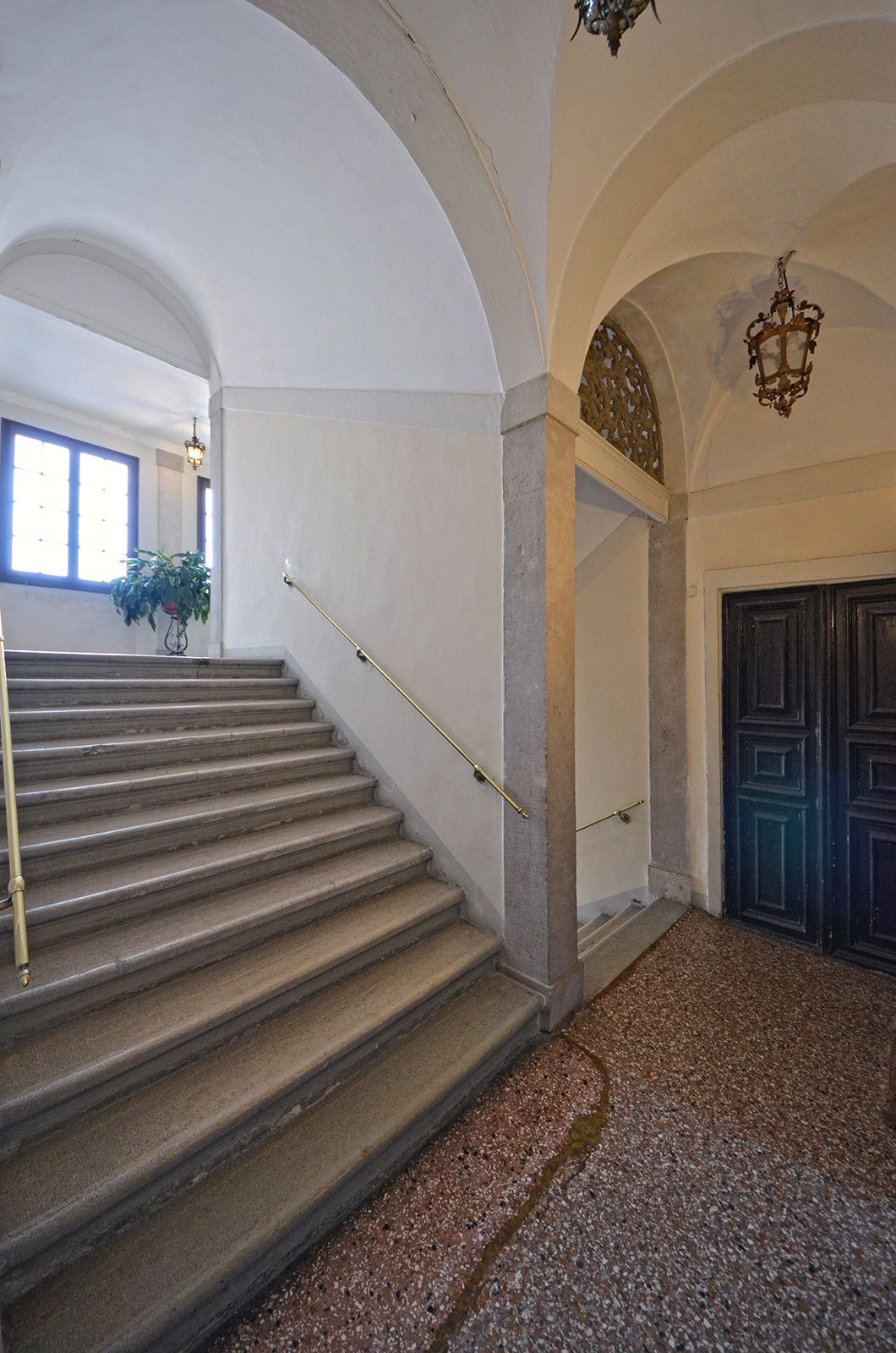 the Grassi apartment can be accessed through monumental staiway or elevator