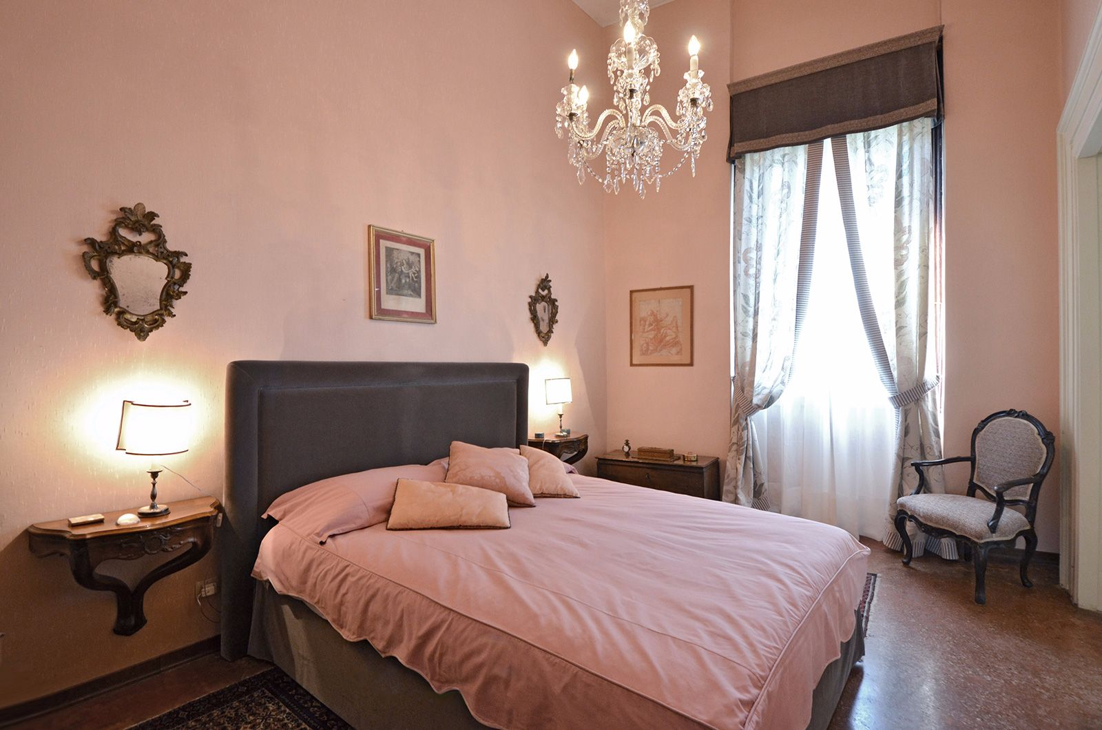double bedroom with Grand Canal view