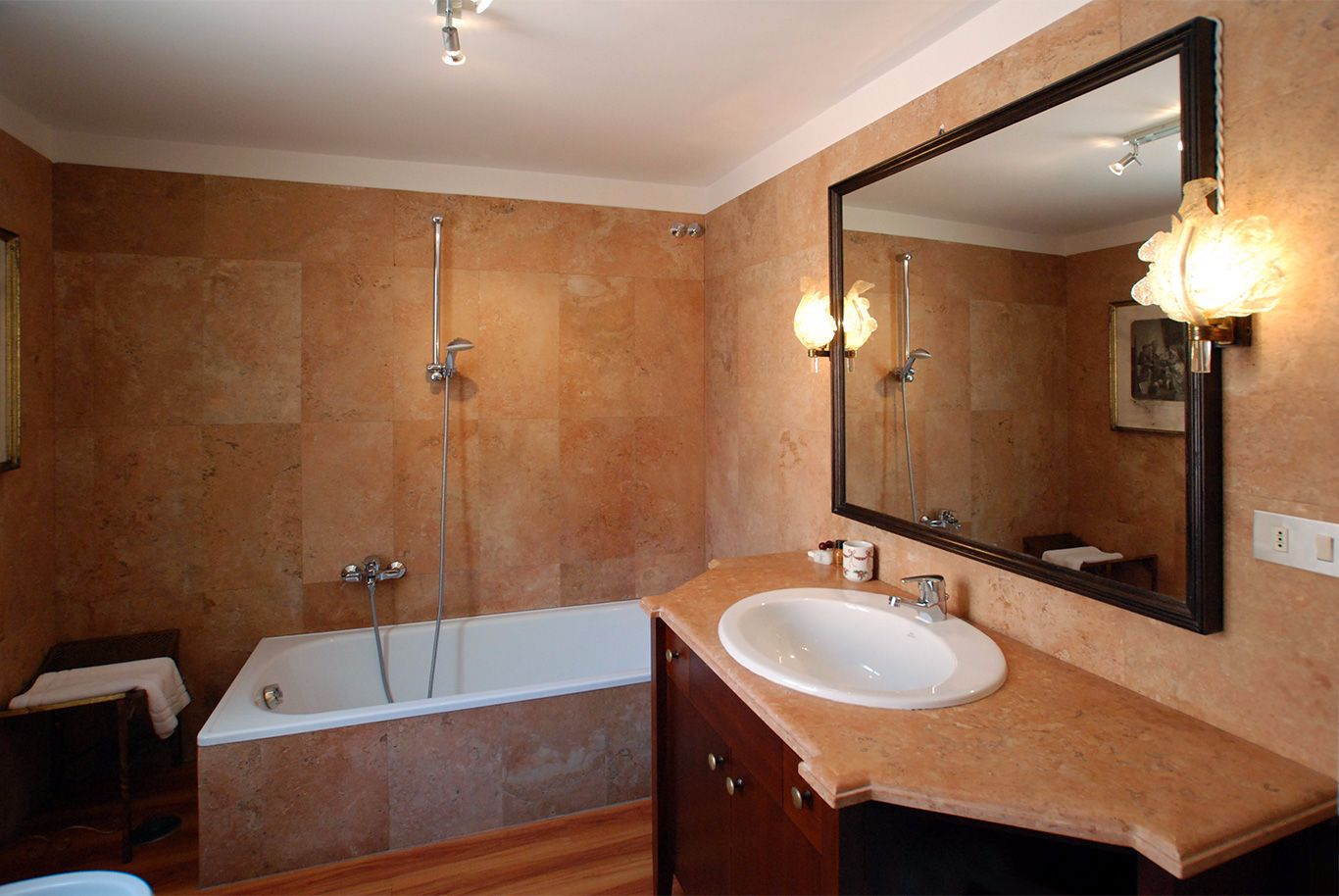 en-suite bathroom of the master bedroom