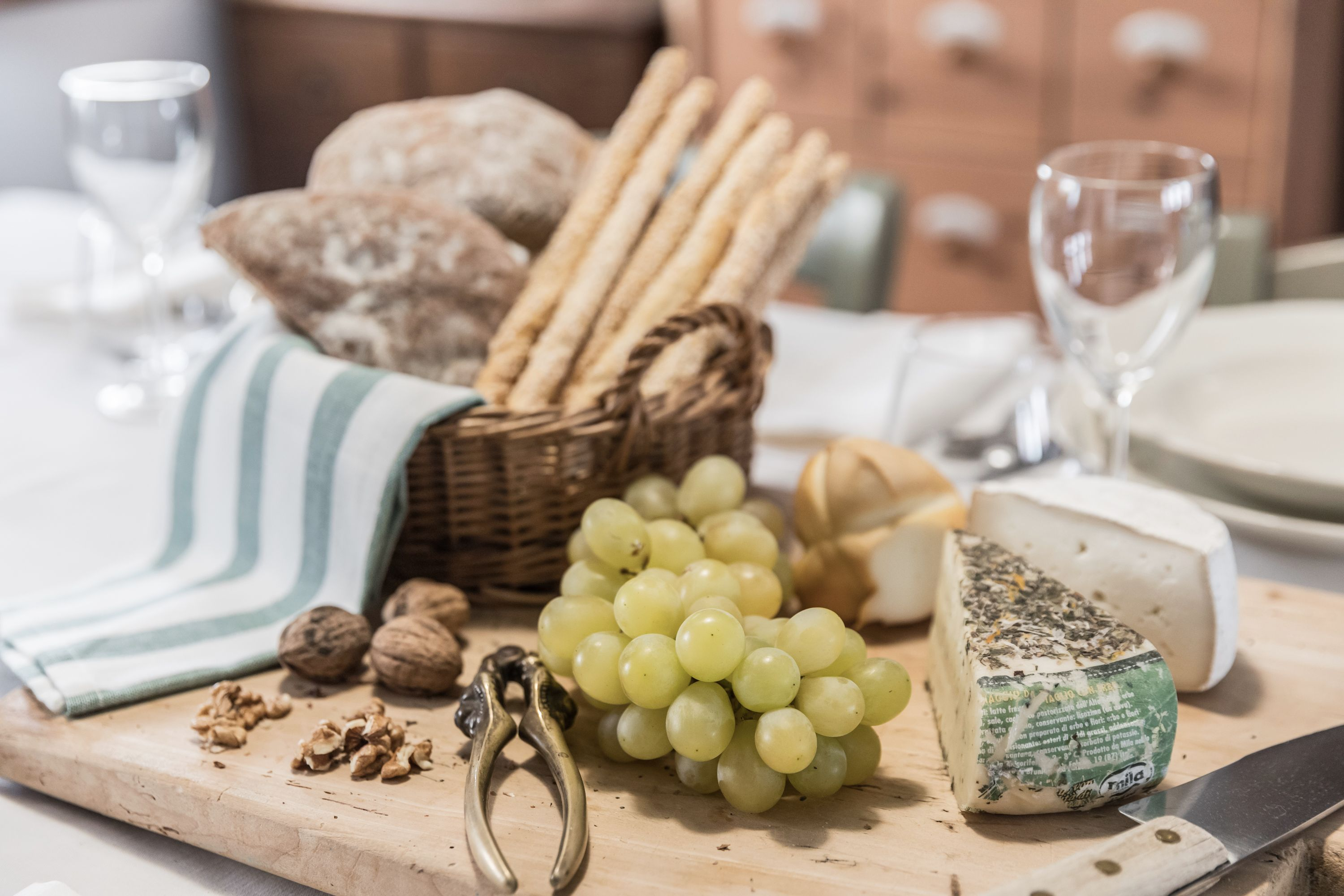 enjoy the delicious Venetian regional food and wine