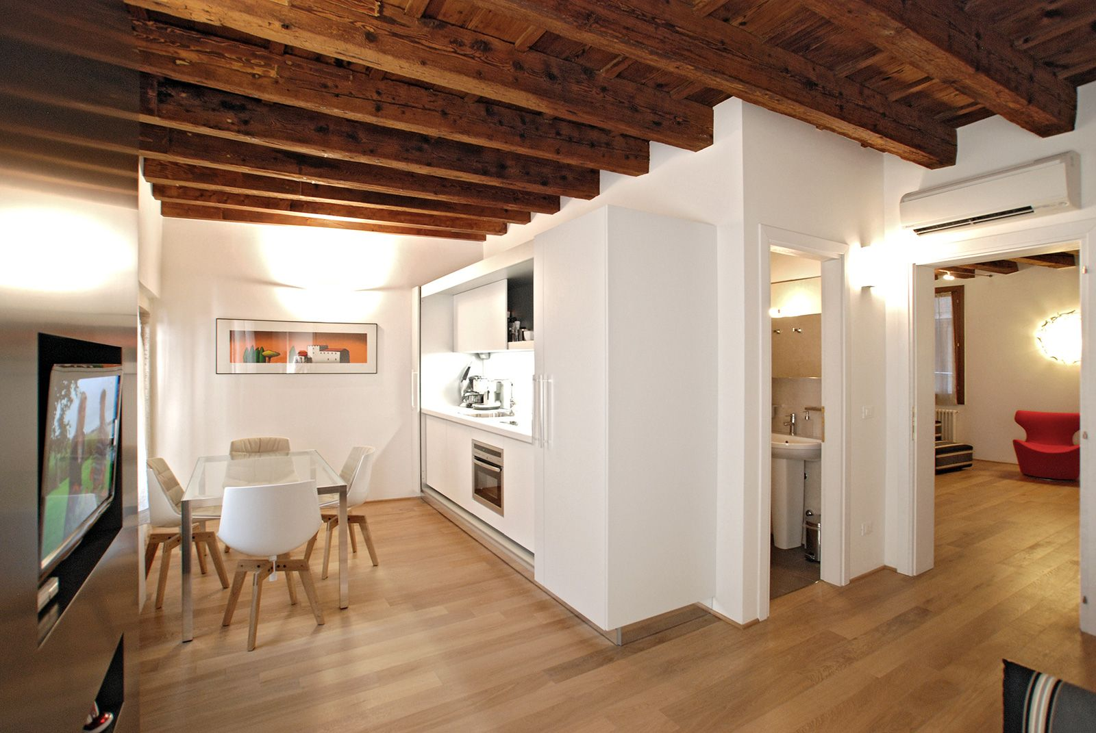 the Miracoli is a cozy brand new apartment in central location