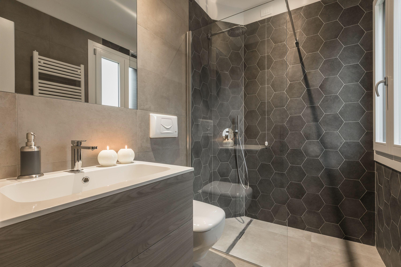 stylish en-suite bathroom of the second bedroom