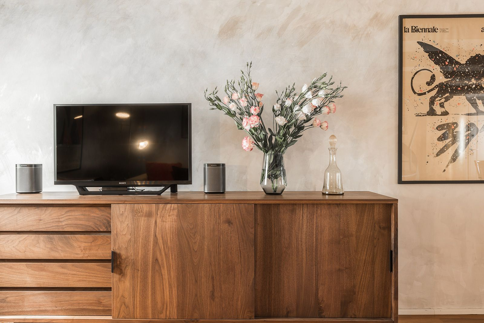 Wi-Fi, Led TV and Sonos sound system are only some of the high-tech amenities