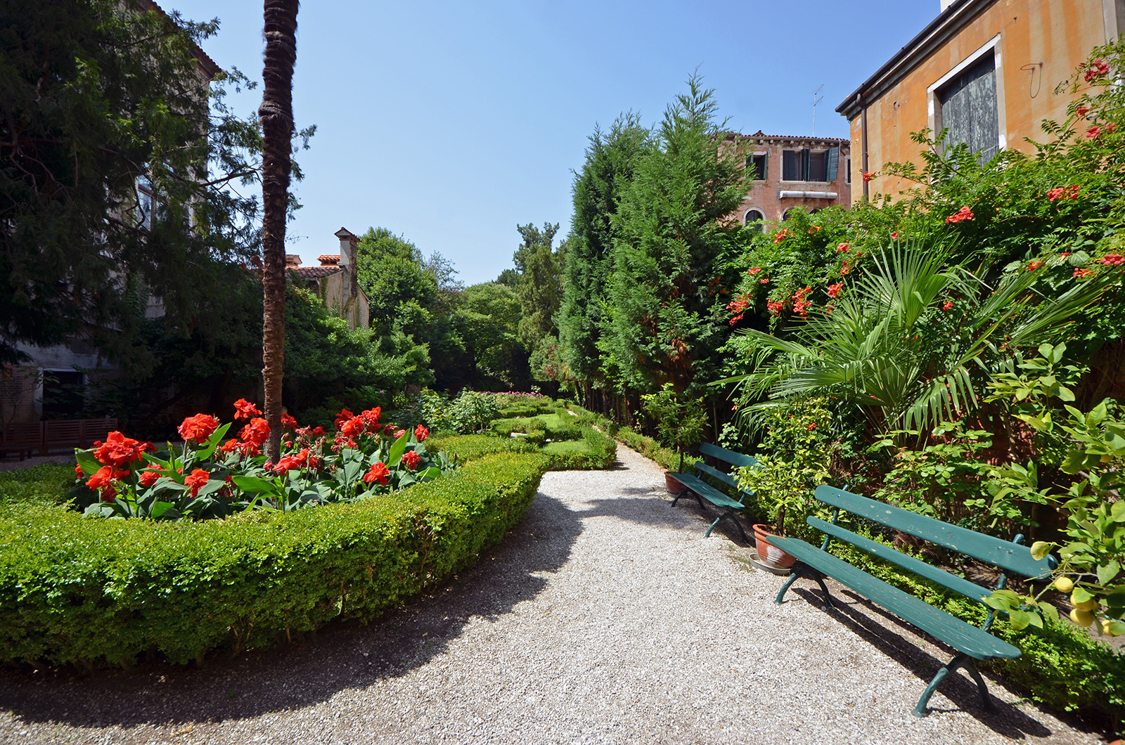 the shared garden of the Palazzo is simply beautiful