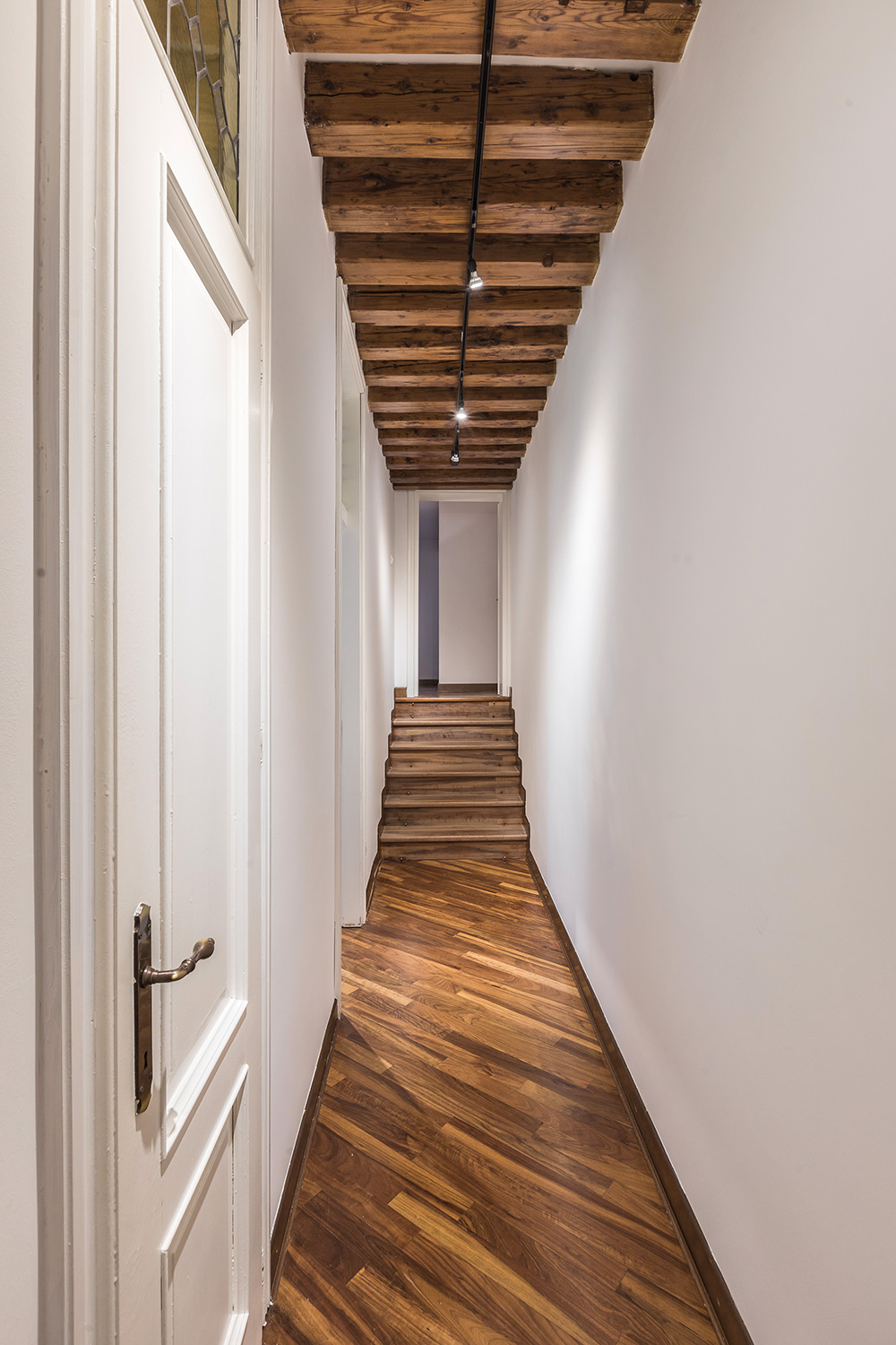 a nice corridor connects the living room with the bedrooms